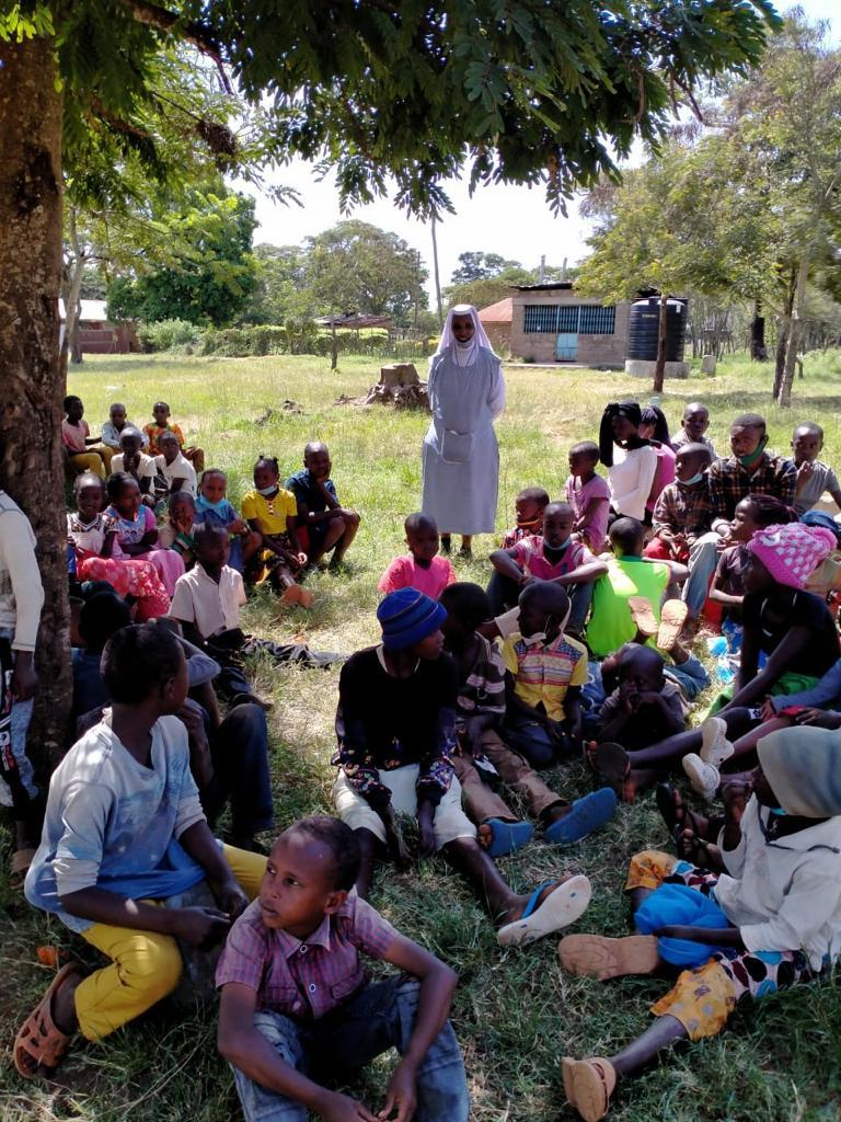 Christmas dinner for orphans in Kenya